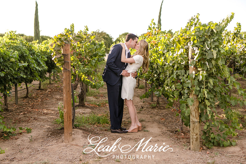 Leah Marie Photography l Vineyard Engagement Session l Wiens Family Cellars
